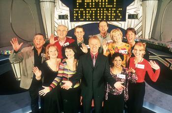 File:Family fortunes dennis withgroup.jpg