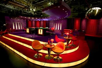 File:Celebrity poker club set.jpg