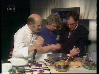 File:Masterchef stirring.jpg